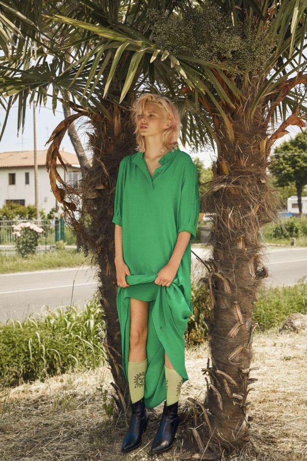 Coster Copenhagen Dress w. buttons and waistband - Emerald Green