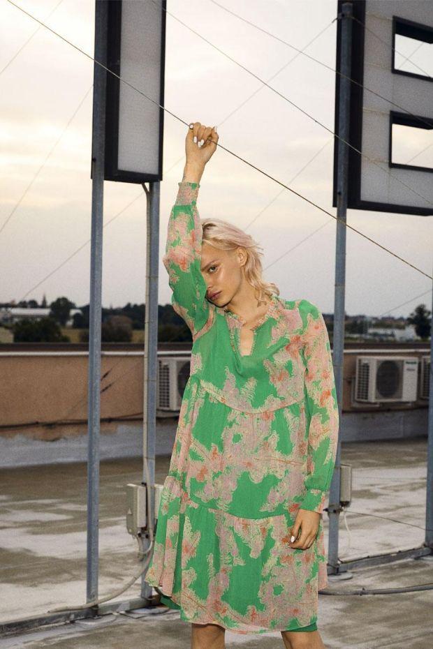 Coster Copenhagen Dress w.frill detail at neck - Feather Bloom Green