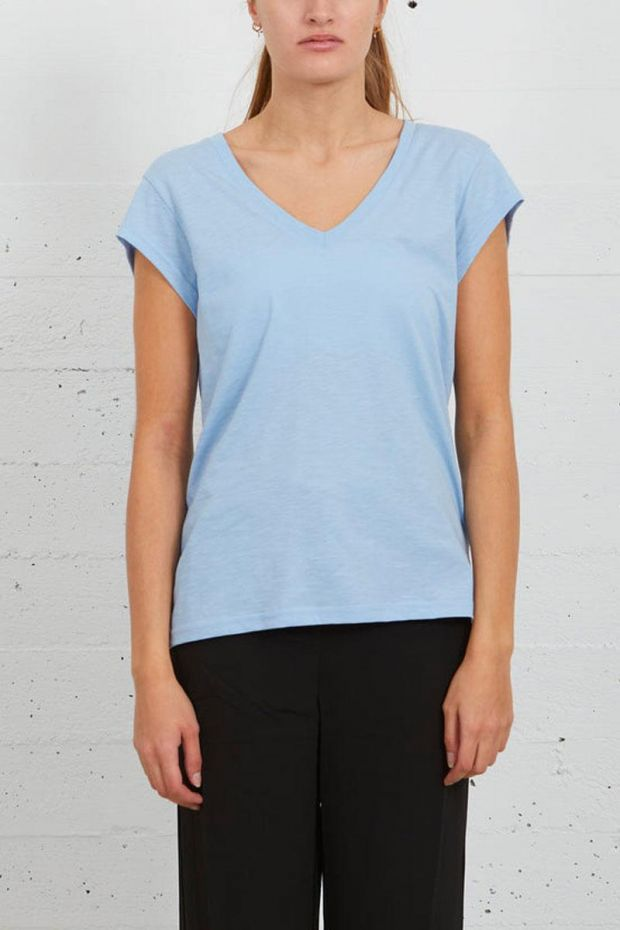 Coster Copenhagen CC Heart Basic V-neck T-Shirt - Powder Blue