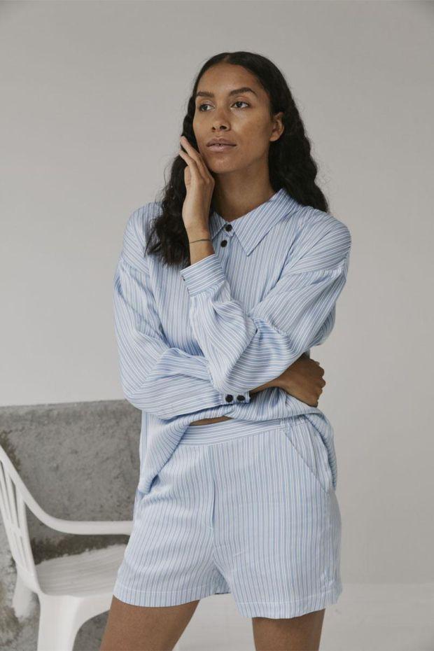 Designers Remix Short EMME - Blue Cream
